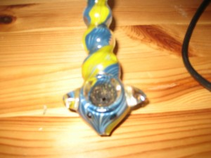 how to get weed resin out of pipe